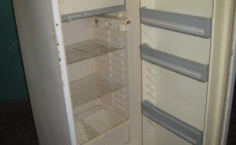 Перевесить двери холодильника в Одессе