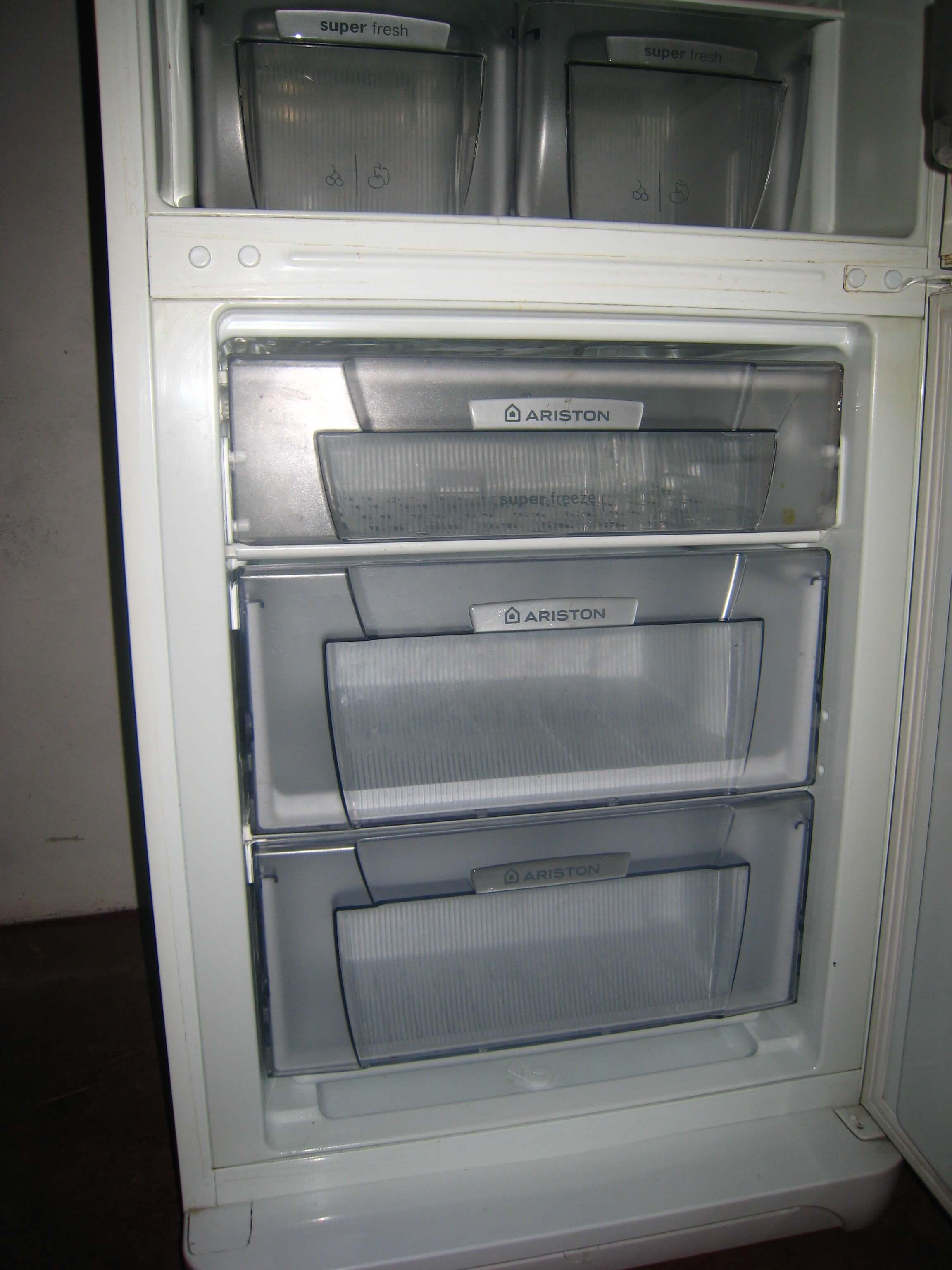 Холодильник выбивает пробки или автомат