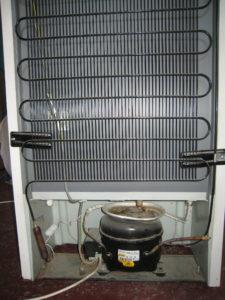 Задняя стенка холодильника