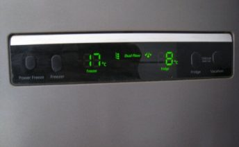 Типичные поломки электронных холодильников
